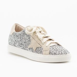 Nature breeze silver sparkle star low top sneakers